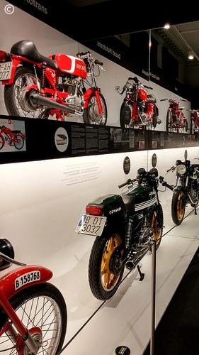 From Lisbon to Croatia - dia 3 - Barcelona - exposição de motos de fabrico espanhol